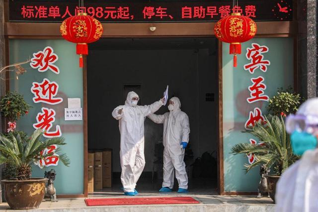 Chủ các nhà hàng ở Trung Quốc lâm vào bước đường cùng: Không thể vay tiền ngân hàng để tiếp tục tồn tại, phải đóng cửa, sa thải hết nhân viên - Ảnh 2.