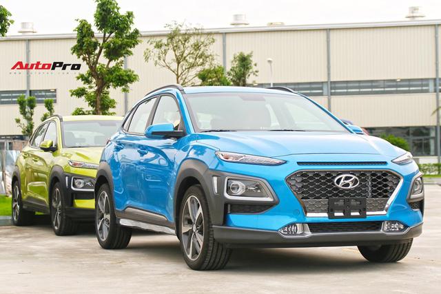 Bán chạy gấp 3 lần EcoSport, Hyundai Kona vẫn giảm giá 40 triệu đồng, quyết bỏ xa đối thủ - Ảnh 1.