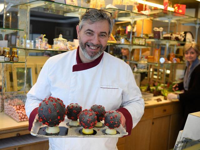 Cao thủ không bằng tranh thủ: Bắt sóng dịch Covid-19, chocolate corona virus bán chạy ở Pháp - Ảnh 5.