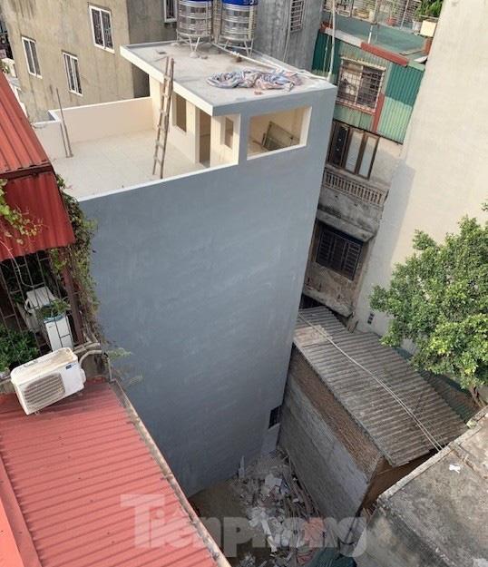 Vụ chết vẫn xác nhận đất đai ở Hà Nội: Thu hồi và phong toả 'sổ đỏ' cấp sai - Ảnh 2.