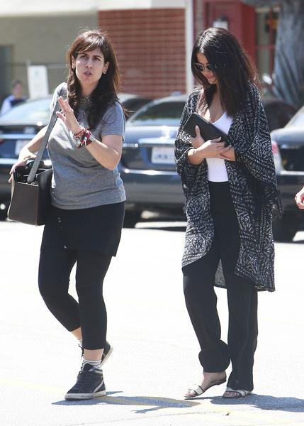 Chuyện chưa kể về bàn tay vàng Aleen Keshishian: Từ cô gái di cư cho tới bà trùm giải trí quyền lực nắm vô số bí mật của Jennifer Aniston, Selena Gomez - Ảnh 7.