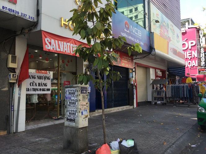 Mặt bằng tiền tỷ bỏ hoang ở Sài Gòn vì dịch Covid-19 - Ảnh 2.