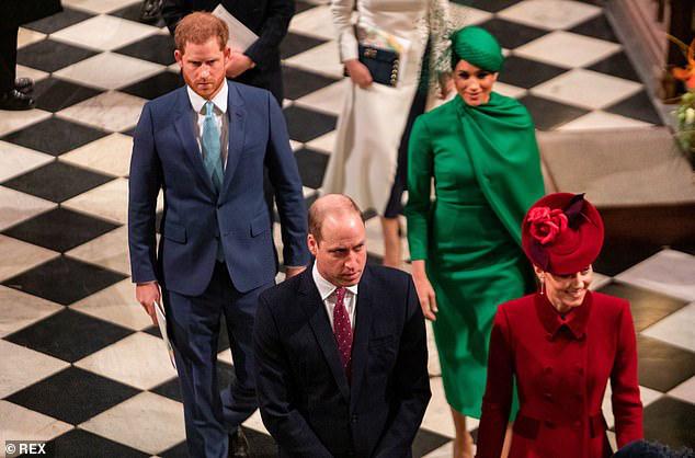 Tiết lộ lý do khiến hai Hoàng tử nước Anh coi nhau như kẻ thù, hóa ra bắt nguồn từ 2 người phụ nữ - Ảnh 1.