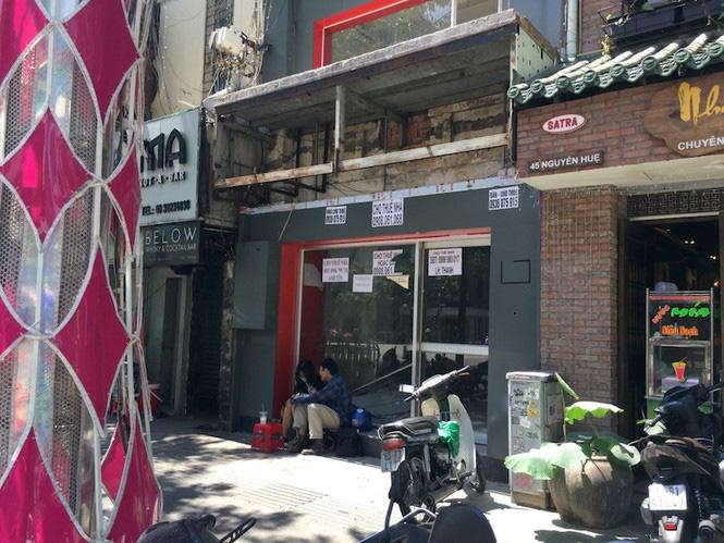 Mặt bằng tiền tỷ bỏ hoang ở Sài Gòn vì dịch Covid-19 - Ảnh 9.