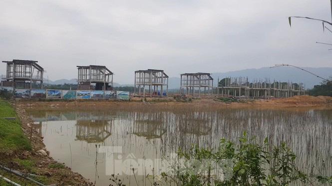 Bên trong dự án Vườn Vua hơn 1.400 tỷ vướng hàng loạt sai phạm ở Phú Thọ - Ảnh 4.