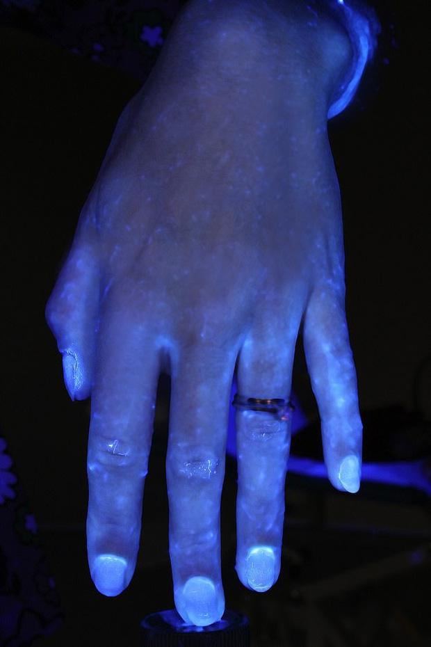 Hình ảnh gây sốc cho thấy bàn tay bạn nhiều vi khuẩn như thế nào và vai trò của việc rửa tay đúng kỹ thuật trong phòng tránh COVID-19 - Ảnh 5.
