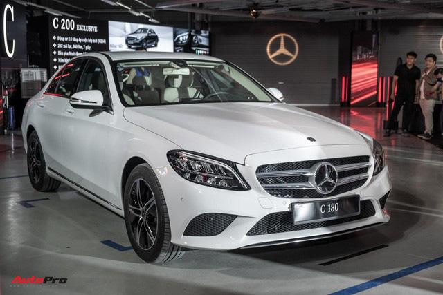 5 mẫu xe cho thấy mốt xe sang châu Âu 'giá rẻ' nhưng vẫn chảnh tại Việt Nam: Cắt trang bị, giảm giá trăm triệu, vợt khách của xe phổ thông - Ảnh 1.