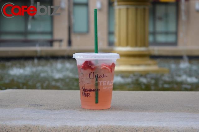 Giải mã cỗ máy bán hàng Starbucks: 5 tuyệt chiêu tâm lý lấy lòng khách kiếm doanh thu, công ty nào cũng cần biết - Ảnh 1.