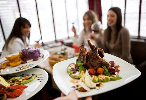 Không lo tiếp xúc với vi khuẩn gây bệnh khi đi ăn nhà hàng với 4 bước này - Ảnh 2.