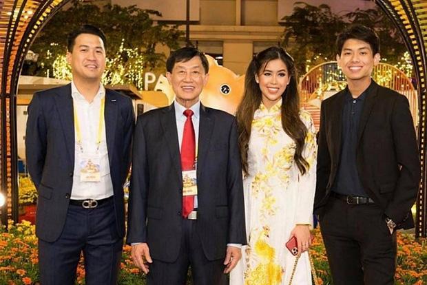 Bố tỷ phú của Tiên Nguyễn miễn phí mặt bằng cách ly 5.000 m2 chung tay chống dịch Covid-19 - Ảnh 1.