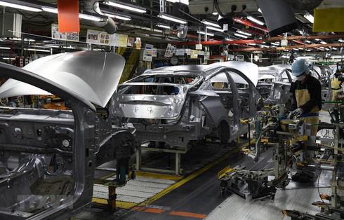 Nguy cơ đóng cửa nhà máy, ô tô xin giảm 50% thuế phí cho khách mua xe - Ảnh 2.