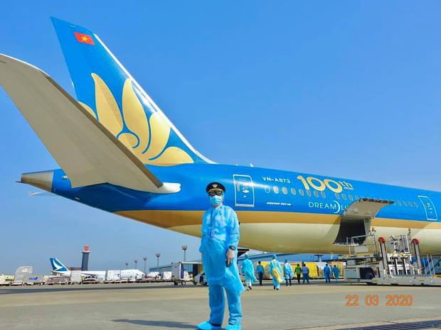 Cơ trưởng chuyến bay giải cứu đến tâm dịch Nhật Bản: Chúng tôi đến đây vì họ và sẵn sàng làm tất cả để không một ai bị bỏ lại - Ảnh 4.