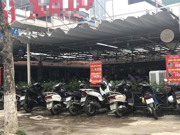 Hà Nội: Hàng loạt quán cafe, quán nhậu vẫn tấp nập mở cửa đón khách bất chấp lệnh đóng cửa để phòng chống COVID-19 - Ảnh 4.