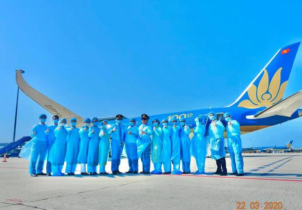 Cơ trưởng chuyến bay giải cứu đến tâm dịch Nhật Bản: Chúng tôi đến đây vì họ và sẵn sàng làm tất cả để không một ai bị bỏ lại - Ảnh 7.