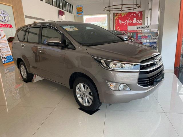 Toyota và Lexus tạm thời đóng cửa toàn bộ đại lý, xưởng dịch vụ tại Hà Nội - Ảnh 1.