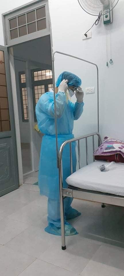 Chia sẻ của một người trực tiếp nằm tại khoa cách ly Covid-19 về nữ y sĩ lương 4 triệu/tháng nhưng sẵn sàng lấy một nửa đóng cho bệnh nhân mà không cần hoàn trả khiến ai nấy cảm động - Ảnh 3.