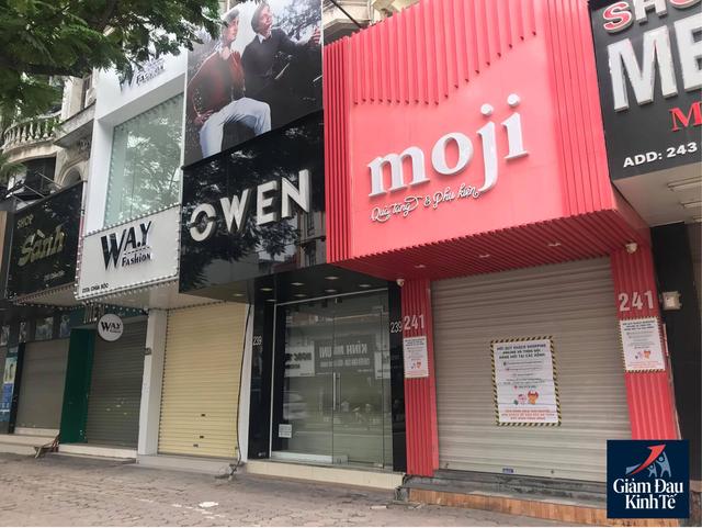 Hà Nội: Phố thời trang không một bóng người, loạt cửa hàng đóng cửa, trả mặt bằng - Ảnh 2.