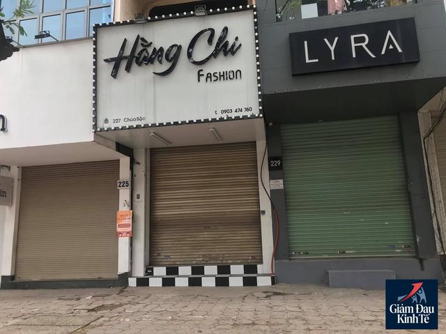 Hà Nội: Phố thời trang không một bóng người, loạt cửa hàng đóng cửa, trả mặt bằng - Ảnh 3.