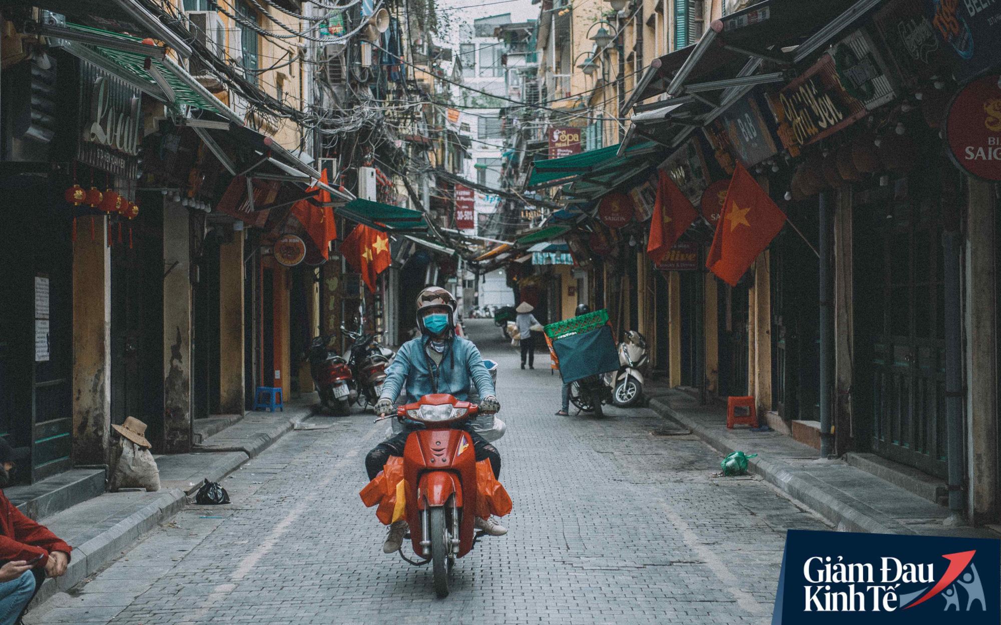 Giá dầu giảm sâu tác động thế nào đến kinh tế Việt Nam?