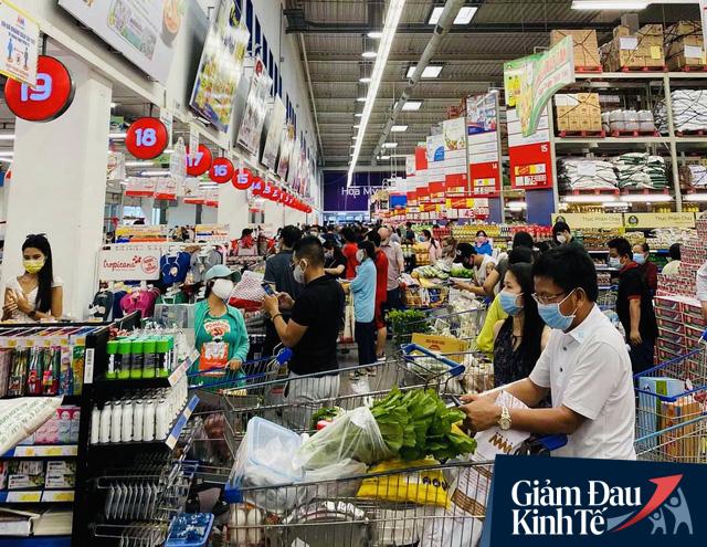 Trước lo ngại thiếu thực phẩm, lãnh đạo Saigon Co.op cam kết: Dự trữ dồi dào, ăn 3-6 tháng cũng không hết! - Ảnh 1.