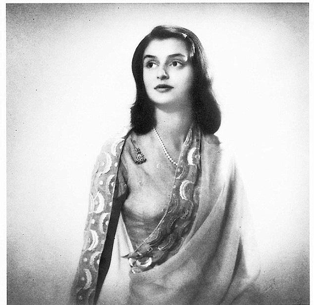 Góc khuất cuộc đời của Hoàng hậu đẹp nhất Ấn Độ: Nhan sắc hoàn hảo, tài năng hơn người nhưng chứa đầy bi kịch toan tính, mưu mô của một gia tộc - Ảnh 1.