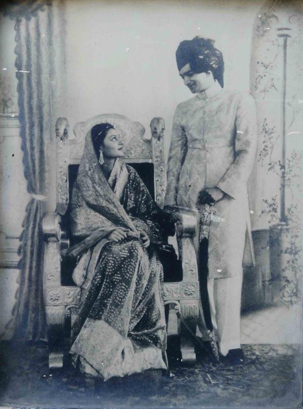 Góc khuất cuộc đời của Hoàng hậu đẹp nhất Ấn Độ: Nhan sắc hoàn hảo, tài năng hơn người nhưng chứa đầy bi kịch toan tính, mưu mô của một gia tộc - Ảnh 4.
