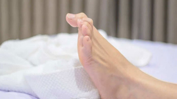 4 dấu hiệu khi ngủ cho thấy mỡ đang chảy khắp người bạn - Ảnh 1.