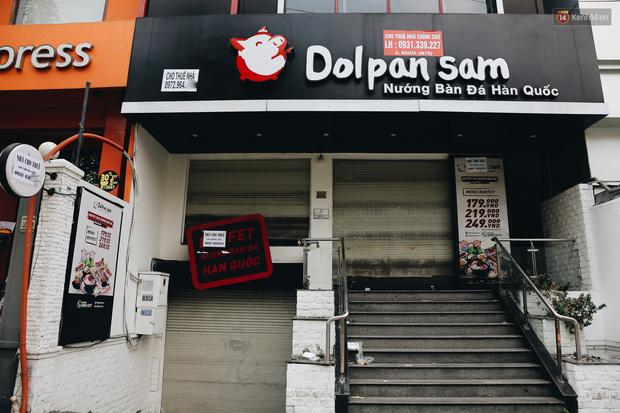 Giá thuê hàng nghìn USD/tháng nhưng nhiều cửa hàng trên đường Phan Xích Long phải ngưng hoạt động vì dịch Covid-19 - Ảnh 6.