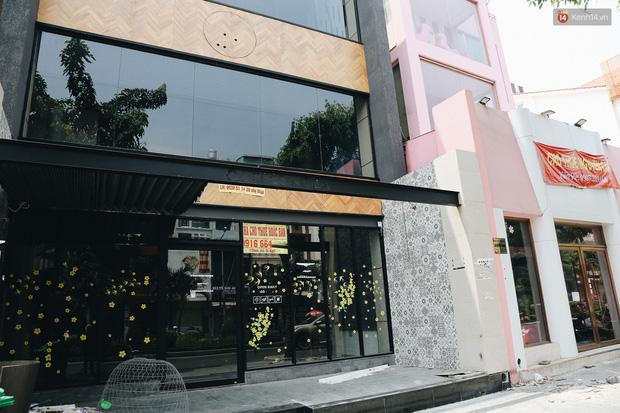 Giá thuê hàng nghìn USD/tháng nhưng nhiều cửa hàng trên đường Phan Xích Long phải ngưng hoạt động vì dịch Covid-19 - Ảnh 11.