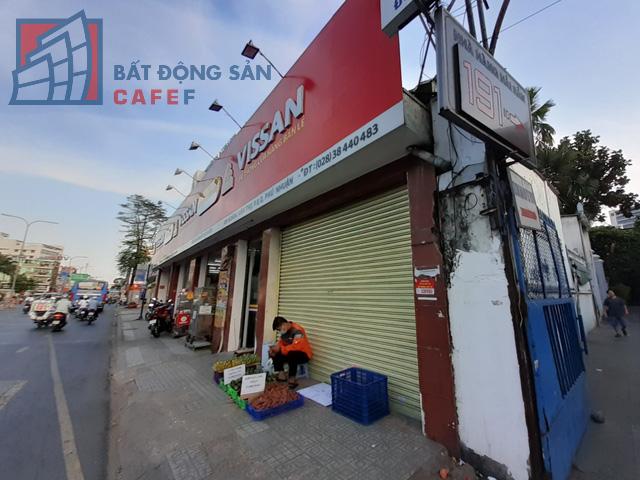 Cho thuê mặt bằng nhà phố trung tâm Tp.HCM ảm đạm, đóng cửa hàng loạt vì dịch Covid-19 - Ảnh 6.