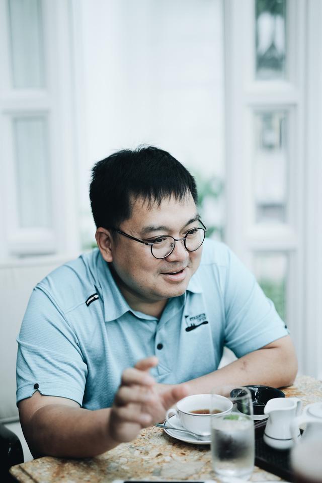 """Trước khi rời khỏi ghế Chủ tịch FPT Software, ông Hoàng Nam Tiến gửi lời khuyên cho thế hệ Z: """"Muốn sống sót, bắt buộc các bạn phải TỰ HỌC kiến thức mới!"""" - Ảnh 5."""