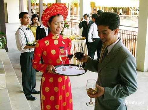 Dịch Covid-19: Đào tạo lại lao động để du lịch Đà Nẵng cất cánh - Ảnh 1.
