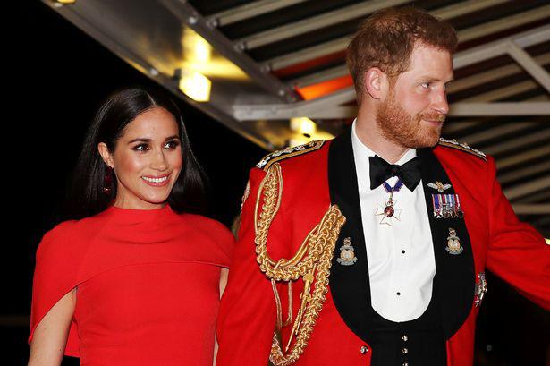 Meghan Markle tỏa sáng như nữ hoàng trong sự kiện mới nhất nhưng gương mặt buồn bã của Hoàng tử Harry mới đáng chú ý - Ảnh 3.