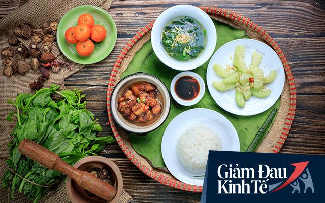 Để tránh cảnh 'ngủ đông' lâu dễ chết lâm sàng, nhiều doanh nghiệp lữ hành Việt chuyển hướng bán thức ăn, thực phẩm online - Ảnh 1.