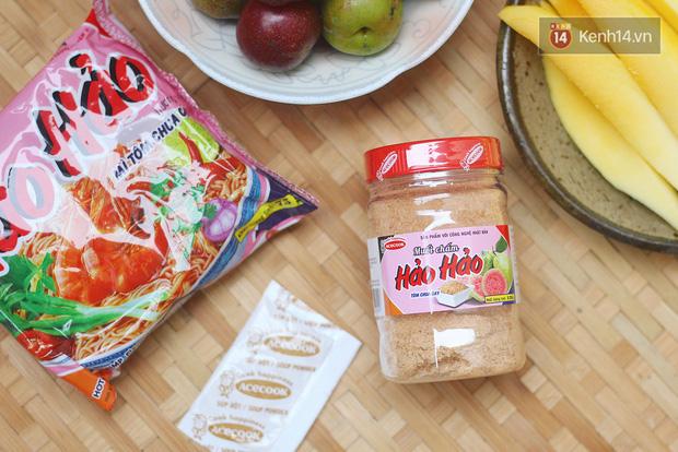 Review muối chấm Hảo Hảo siêu hot ngay trước ngày lên kệ: Vị không hề giống muối trong gói mì tôm, nhưng hương vị ấn tượng mới đáng chú ý hơn cả - Ảnh 1.