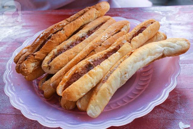 """Bánh mì Việt Nam, hành trình từ ổ bánh """"thượng lưu"""" cho đến món ăn đường phố làm kinh ngạc cả thế giới - Ảnh 16."""