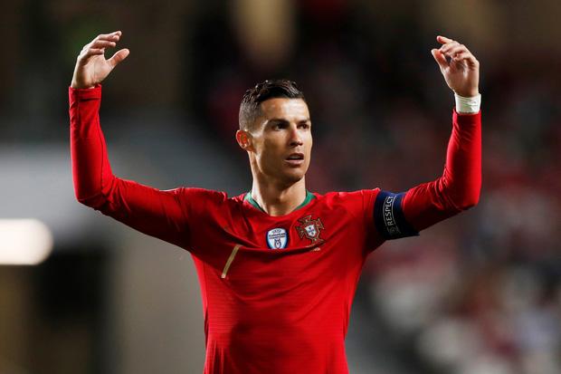 Ronaldo đưa ra đề xuất cực hay, giúp quyên góp số tiền lớn cho các cầu thủ gặp khó giữa mùa dịch Covid-19 - Ảnh 1.
