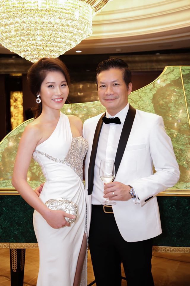 Shark Hưng đăng ảnh tình tứ với vợ rồi bảo: Đàn ông đang khởi nghiệp càng nên yêu, cư dân mạng liền vào bình luận cực căng - Ảnh 4.