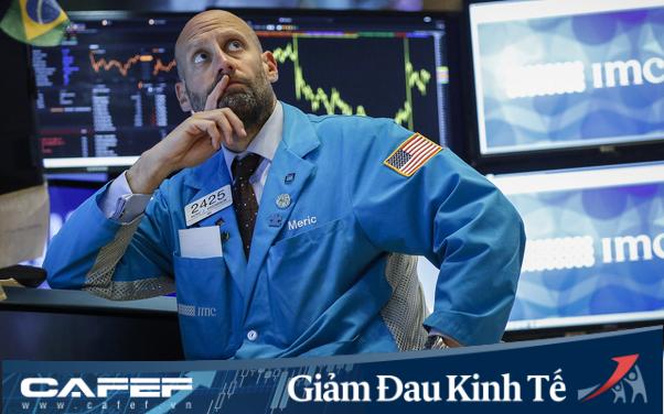 [Tác động kinh tế Covid19] Dow Jones rớt gần 1.000 điểm do lo ngại nền kinh tế ngừng hoạt động lâu hơn dự kiến