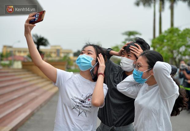 Nữ tiếp viên Vietnam Airlines dấn thân thử nghiệm thuốc điều trị Covid-19: Nếu lỡ về già mất trí nhớ thì 3 chữ Co-ro-na sẽ là thuốc chữa cho em - Ảnh 6.