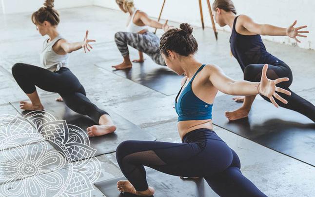 """Đừng quên sức khỏe mới là """"kim bài"""" của đời bạn: Tận dụng thời gian nghỉ dịch Covid -19 tập yoga cải thiện vóc dáng"""
