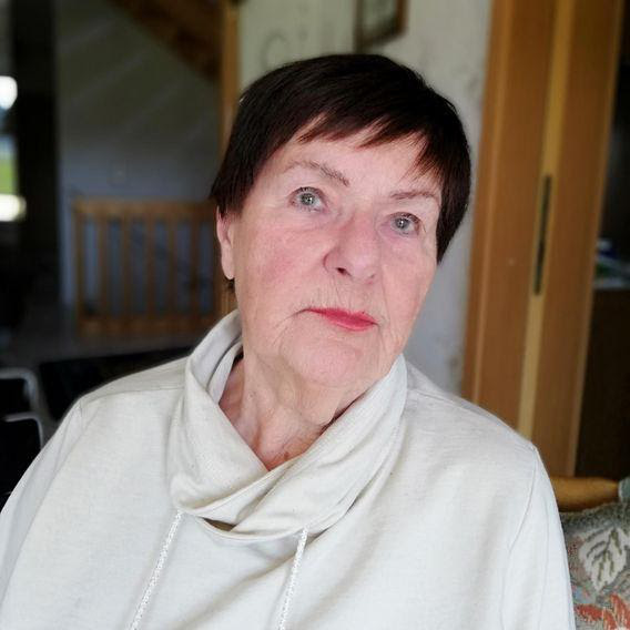 Tôi không sợ chết: Người cao tuổi ở Đức nói về cuộc chiến không bom đạn của nhân loại và đại dịch COVID-19 - Ảnh 1.