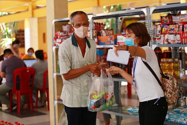 Cảm ơn chia sẻ của người dân Việt Nam dành cho người nghèo chúng tôi - Ảnh 12.