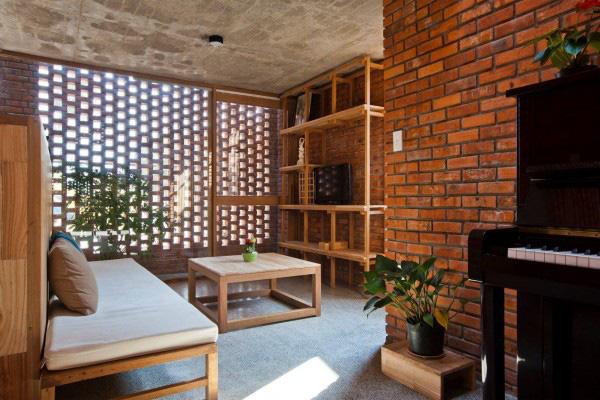 Ngôi nhà bằng gạch đỏ chống nóng không lo lỗi thời - Ảnh 4.