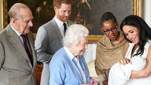 Nữ hoàng Elizabeth II: Từ công chúa sinh ra trong nhung lụa trở thành người phụ nữ quyền lực truyền cảm hứng cho hàng triệu trái tim - Ảnh 40.