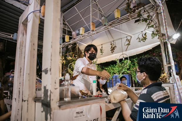 Cha đẻ cây ATM gạo: Người tới xin gạo còn sức lao động, tôi sẵn sàng nhận làm việc, có lương tháng, bao ăn - Ảnh 6.