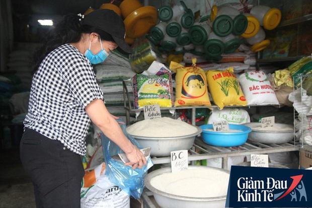 Gặp người chủ trọ ở Hà Nội tặng gạo, nước mắm cho khách thuê mùa dịch Covid-19 - Ảnh 7.
