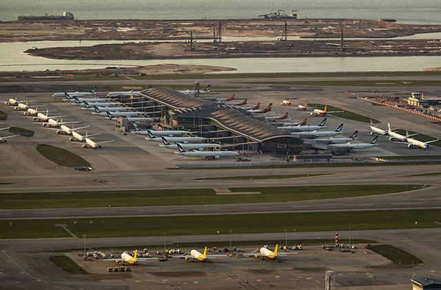 Boeing, Airbus hạ cánh cứng vì virus corona - Ảnh 2.