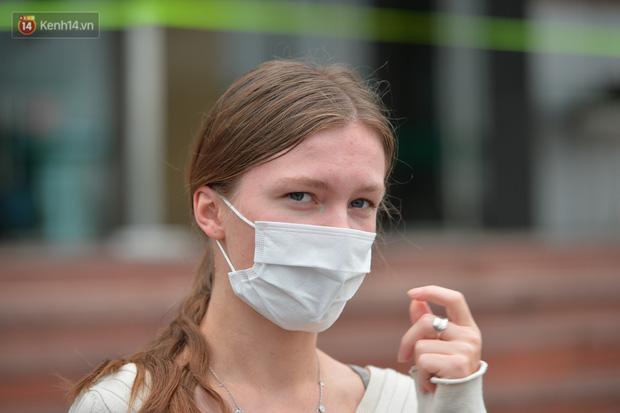 Cô gái Đan Mạch từng đi du lịch 5 tỉnh thành trước khi phát hiện nhiễm Covid-19: Tôi đã sốc khi nhận kết quả dương tính - Ảnh 1.