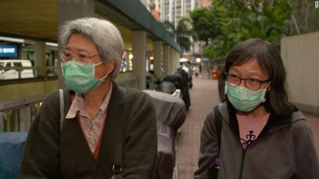 Bi kịch thế giới nhà chuồng cọp ở Hong Kong những ngày cách ly xã hội: Mỗi phòng cả chục người, giãn cách kiểu gì bây giờ? - Ảnh 2.